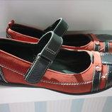 Продам туфли-балетки размер 32, натуральная кожа.