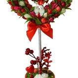 Красное цветочное дерево счастья Голубки в цветах