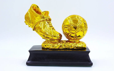 Награда спортивная Футбол статуэтка наградная бутса с мячем золотая C-3793-B2 15х14х8см