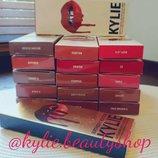 Набор помада карандаш Kylie lip kit