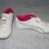 Кожаные белые кроссовки Puma с розовыми вставками. Размер 29.