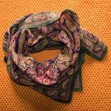 Изумительный красочный платок 76,5х78см