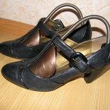 Clarks туфли 39 -40 р по ст 26 см каблук 7 см кожа обуты 2 раза