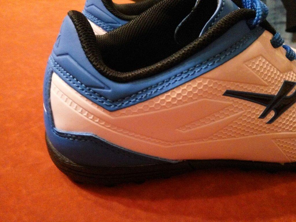 Детские кроссовки сороконожки  купить кроссовки сороконожки недорого ... d4d1f7f90f1