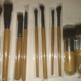 Набор кисточек для макияжа с сумочкой