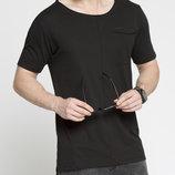 Мужская футболка LC Waikiki ярко-черного цвета с карманом на груд