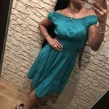 Эффектное бирюзовое платье-штапель