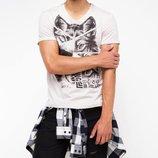 мужская футболка De Facto светло-серого цвета с картинкой и надписью на груди