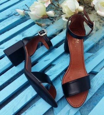 Распродажа Элегантные кожаные босоножки на устойчивом каблуке Разные Цвета