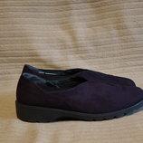 Невесомые темно-фиолетовые туфельки из натурального нубука ARA Германия. 39 р.