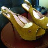 Шикарные кожаные босоножки 39р Respect