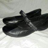 Балетки кожаные clarks 37 размер по стельке 23.5см