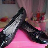 Туфли для девочки черные новые р. 36,37,38