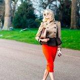 Шок Трикотажная классическая юбка-миди Карандаш демисезонная разные цвета от рр40 по рр52