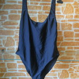 Купальник 48 розміру L в басейн ,колір чорний ,