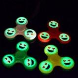 Спиннер, Spinner- игрушка для всех. Фосфорные смайл. наличие цветов уточняем
