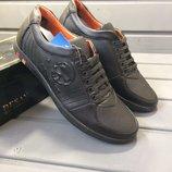 Продам мужские спортивные туфли р.40,41.