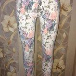 Укороченные штаны, бриджи в цветочный принт