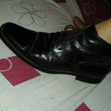 Продам кожанные осенние ботинки брендовые для мужчины р 43.