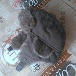 Удобная зимняя шапочка Miniclub 6-12m в отличном состоянии на липучке