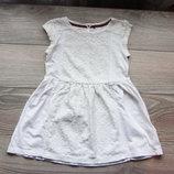 белое легкое платье на 6 лет. фирма Next. состояние отличное