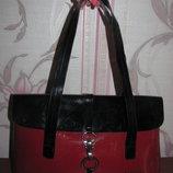 Шикарная лакированная сумка красная с черным AiSiNi