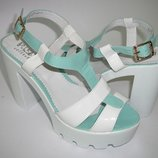 Натуральная кожа Новые женские босоножки белые с мятным 36,37,38,39,40 Киев выпускные туфли