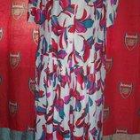Фірмове яскраве плаття, 28, Великобританія.