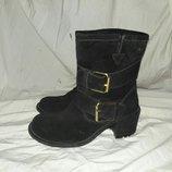 Ботинки замшевые 37 размер по стельке 24см