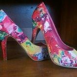 туфли с открытым носком цветочный принт 23.4 см стелька 35- 36-37 р. Англия