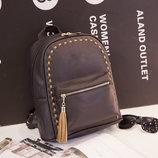 Стильный городской рюкзак с переплетами и кисточкой В Наличии