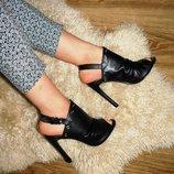 Туфли мюли шлепанцы сабо на каблуке с открытыми пальчиками и ремешком за лодыжкой