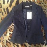 Новые вещички первокласснице пиджак, платье, поло