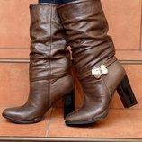 Коричневые зимние кожаные сапоги