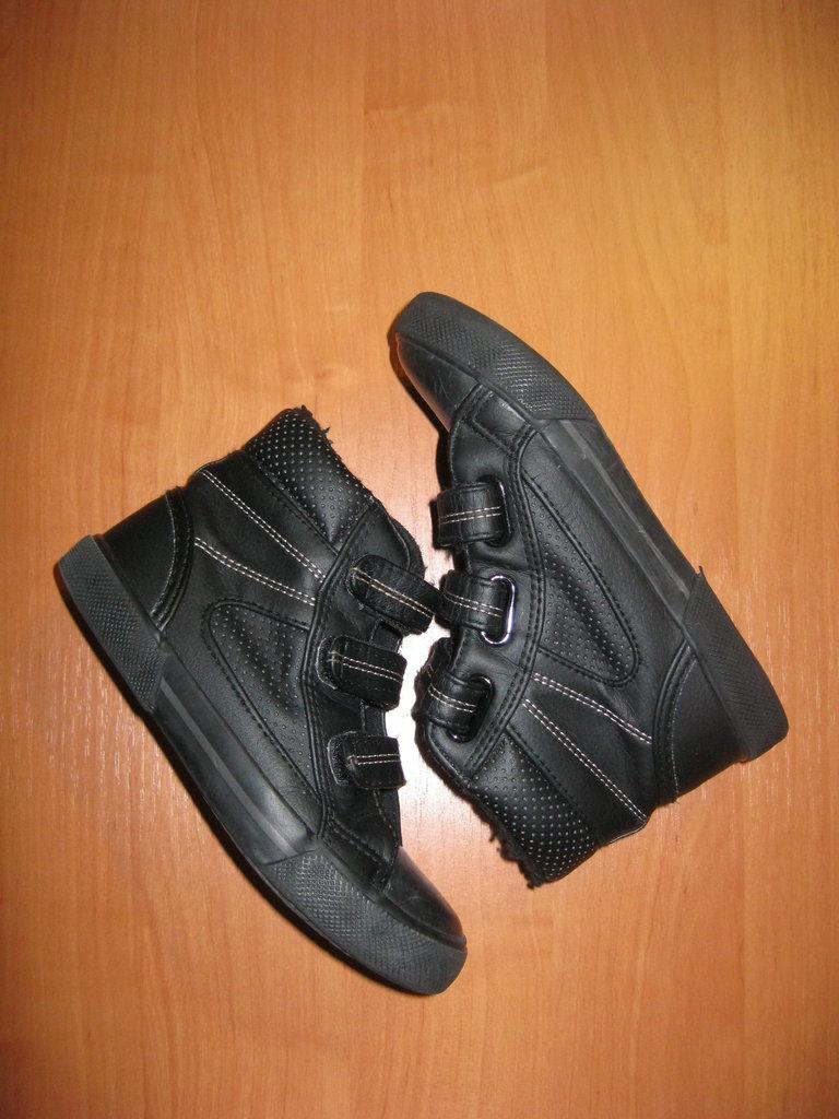 Высокие кеды Bluezoo размер 10 28.  275 грн - спортивная обувь bluezoo в  Кировограде, объявление №13935775 Клубок (ранее Клумба) 1e258d2272a