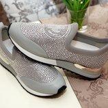 Блестящие кроссовки с камнями Swarovski в наличии