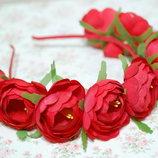 Обруч ободок венок с большими красными цветами