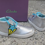 Новые кожаные ботинки хай-топы Clarks. разм.25-29. оригинал