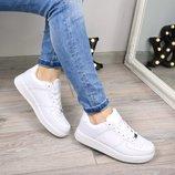 Женские белые кроссовки Nike Force