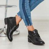 Классические женские демисезонные кожаные ботинки на низком ходу
