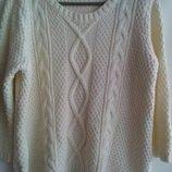 Красивый rкремовый свитер Papaya