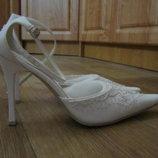 Босоножки-Туфли белые, расшитые бисером, Италия
