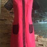 Коралловое платье с вставками сетки