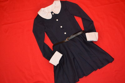 безукоризненое школьное платье
