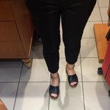 Модные 'укороченные' брюки Next
