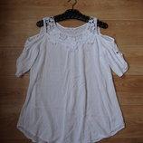 Облегченная блуза с открытыми плечами