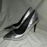 Туфли лодочки серебряные размер 36- 37