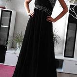 Роскошное черное вечернее платье со стразами.