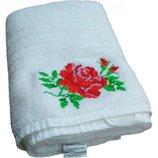 Полотенце махровое белого цвета 50х90 см Роза 550 г/м2