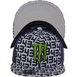 Стильная кепка с прямым козырьком и ярким логотипом Monster в разных цветах